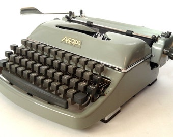 Aztec (Rheinmetall) 600 Manual Portable Typewriter