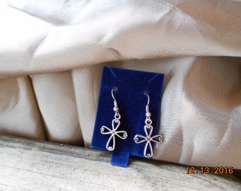 Show Your Faith With These Beautiful Cross Earrings!