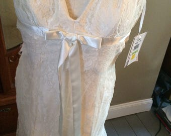 Stunning Size 4 Jessica McClintock Wedding Dress