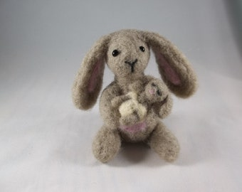 Mothers Day Gift, Mama Bunny, Baby Bunny, Mothers Day Bunny, Easter Bunny, Collectible Bunny, Miniature Bunny, Felted Bunny, Felted Rabbit