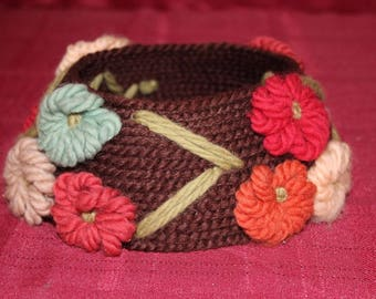 """Vintage Needlepoint by Everett Ladies """"Hat"""" with Open top and Floral Decorations"""