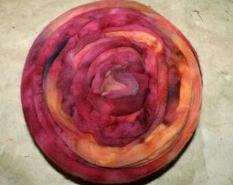 Hand-dyed Merino Wool 'Villea' - combed tops