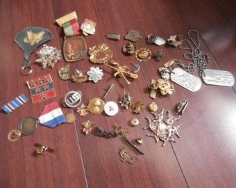 Lot of WW1 WW2 Army veteran pins badges metals clips and more lots vintage and old original