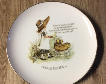Mother's Day Gift - Collectible Plate - Porcelain Plate - Mother - 1974 - Vintage Collectible - Home Decor - Gift for Mom