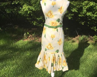 1950s belted dress/ floral dress