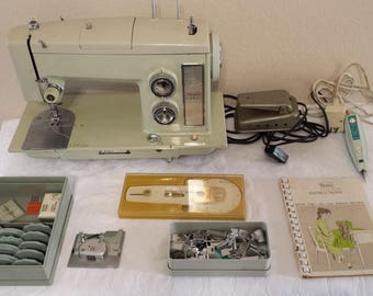 Vintage Sears Kenmore Portable Sewing Machine 158.17550 plus accessories