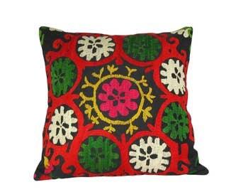 Suzani pillow case, suzani vintage pillow case, suzani embroidery, uzbekistan, silk road, ethnic, vintage pillow case