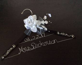 Grand Opening!!! 2 line wedding hanger with date, Personalized Bridal Hanger with pearl and rhinestone,Wedding Gift,Bridal shower gifts