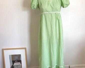 1970's Green Gingham Boho Hippie Daisy Maxi Dress