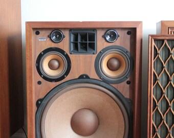 Vintage Pioneer CS-99A speakers