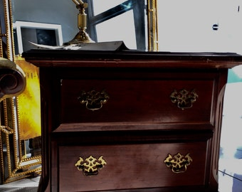 Vintage AMERICAN DREW 2 Drawer Chippendale Cherry Grove Night Stand/ End Table