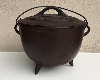 Cast Iron Dutch Oven or Cauldron Antique Gate mark