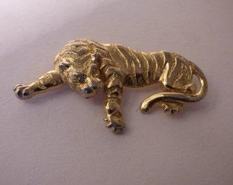 Vintage Brooch. Gold coloured metal in the form of Tiger.  JS273