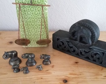 Balance to opium and weight 'elephants' bronze in exotic wooden box