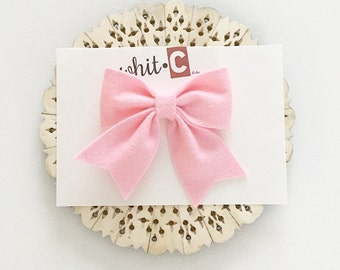 Charlotte Bow in Pink