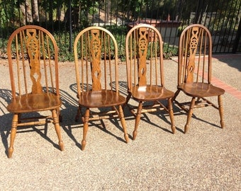 Set if 4 oak Windsor-style dining chairs