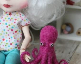 OOAK Needle Felted Octopus, Blythe Pet, Blythe Toy, Needle Felted, Blythe Accessory, Blythe Doll Toy, Handmade Blythe Toy