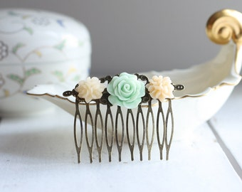 mint and salmon flower Haircomb