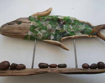 Poisson sur socle en bois flotté
