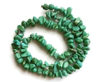 "16"" Green Turquoise Howlite Nugget Chip Strand / Destash Beads"