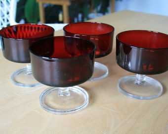 Vintage luminarc drinking glasses dessert glasses champagne glasses Ruby red crystal glass eclectic interior design