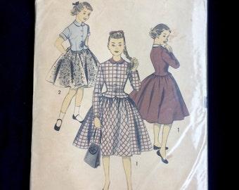 Vintage pattern Advance 6832