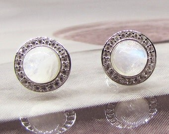 Silver 925/1000 and Moonstone earrings