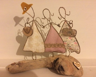 Three Ladies, 3 best friends, 3 sisters, grandma/mum/daughter Wire Folk Art quirky
