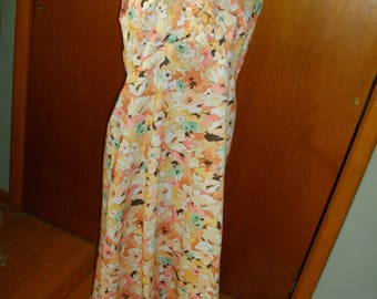Vintage 1970's Floral Maxidress With Ruffles Around The Neck