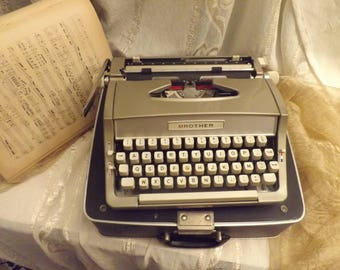 Typewriter Vintage - manual typewriter Brother - Made in Japan