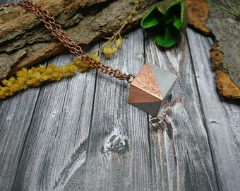 copper chain with a cube pendant made of concrete with disgruntled Deco metal (285)