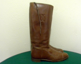 Sz 10 Women boots-Vintage boots-tall boots- flat brown leather boots-1970s-women riding boot.