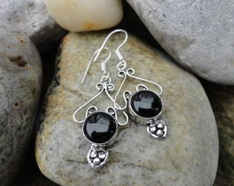finish black onyx earrings little hearts
