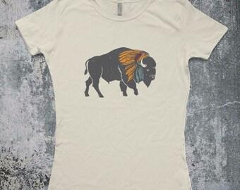 Bison Buffalo with Indian War Bonnet Headdress piece T-Shirt / T-shirt Top Tee Shirt Buffalo Distressed shirt design - Ink Printed