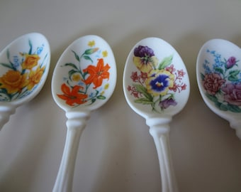 Avon Spoons Collectible Porcelain Set Of 4 spoons
