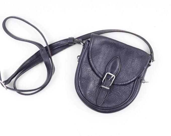 Vintage leather crossbody bag by Roots, black leather shoulderbag, small ladies purse, festival bag, travel purse, vintage leather bag