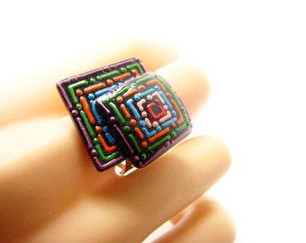 Ring relief pattern, resin and paint 3.5 x 3 cm, Bohemian chic