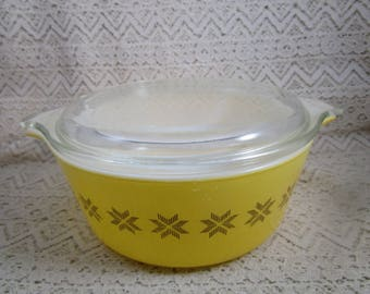 Pyrex 472, Pyrex Town and Country Casserole Dish with Lid, 1 1/2 pt. Casserole Dish, Baking Dish