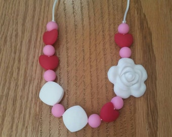 Silicone beaded Teething Necklace, Valentines Day Gift, Teething Necklace for Mom, Sensory Beads, Teething Beads, BPA Free, Fidget, Heart