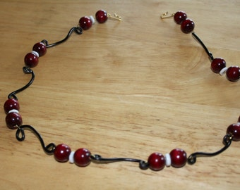 Black Wire Red Wood Beads With White shell Bead Necklace 18""