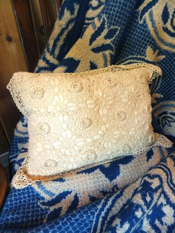 Ivory / Cream Crochet Pillow / Throw Pillow / Shabby Chic