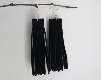 Black suede fringe earrings | Black suede tassel earrings | Leather fringe earrings | Boho fringe earrings | Black leather earrings