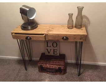 Reclaimed pallet wood console table