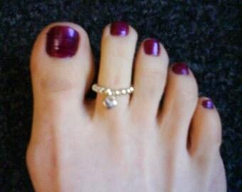 LoliRosa Silver Tone Tiny Flat Back Heart Charm And Bead Stretch Toe Ring Summer Beach Hols