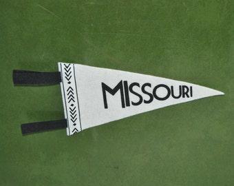 Missouri Mini Pennant-Gray & White