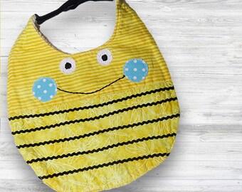 Handmade Bee Bib Set - Baby gift set, bib and burn towel set, Baby first meal, baby bib