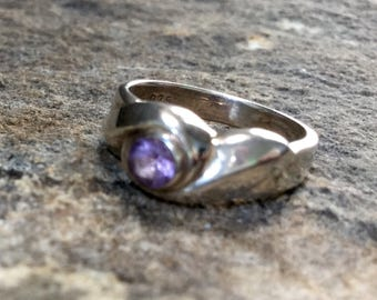 Vintage Sterling Silver Ring Purple Stone Size 6 1/2 1970's Retro Jewelry