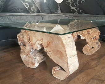 Coffee table/lounge table.