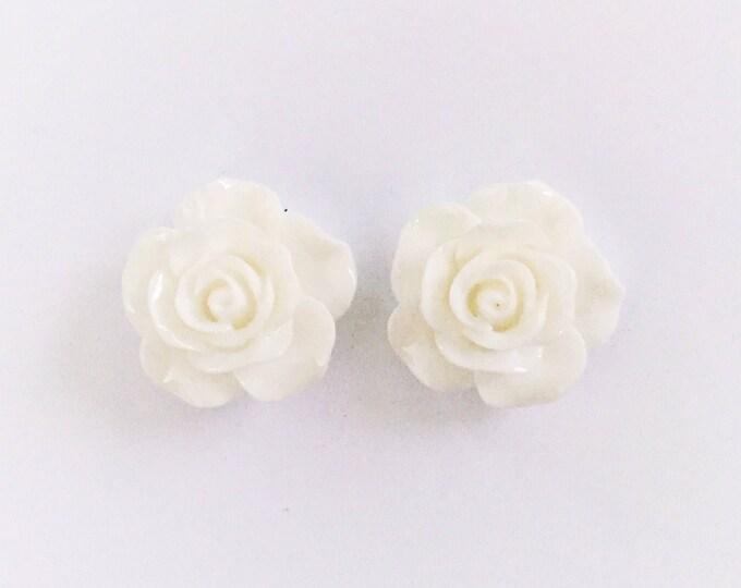 The 'Aleena' Flower Earring Studs