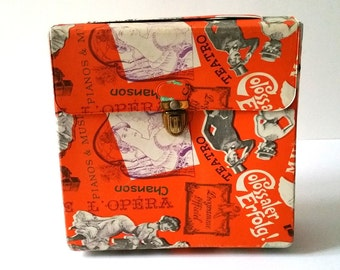Very cool vintage carrying pouch